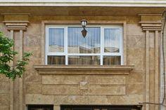 سنگ کاری ساختمان - گروه پیمانکاری نما Stone Flooring, Wainscoting, Construction, Windows, House, Ideas, Design, Building, Panelling