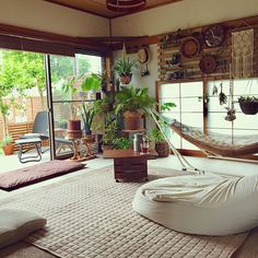 Salon Interior Design, Interior Design Kitchen, Interior And Exterior, Living Pequeños, Home Living Room, Muji Home, Bedroom Minimalist, Japanese Interior Design, Style Japonais