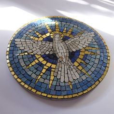 Items similar to Mosaic Cross on Etsy Mosaic Diy, Mosaic Garden, Mosaic Glass, Glass Art, Mosaic Birds, Mosaic Crosses, Bottle Cap Table, Mosaic Stepping Stones, Mosaic Projects