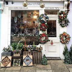 More pretty shop front going large for #Christmas @iamsuleymanovic