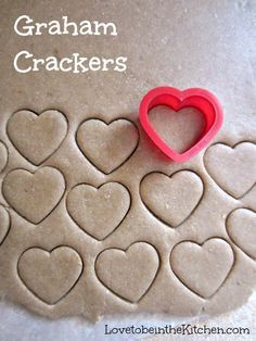 Healthy Snacks Graham Crackers- So easy and fun to make! You can cut it with any shape you'd like or cut it into graham cracker shapes. These cute heart shaped ones would be a perfect snack for Valentine's day! This would be great with chocolate fondue. Yummy Treats, Delicious Desserts, Sweet Treats, Yummy Food, Toddler Meals, Kids Meals, Toddler Food, Homemade Toddler Snacks, Healthy Homemade Snacks
