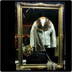 In the frame #antique#pictureframe#framed#vintagedisplay#windowdisplay
