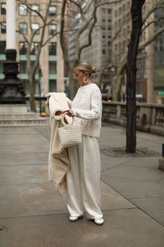 Winter white // Blair Eadie wears mother-of-pearl accessories and a faux fur coat . - Winter white // Blair Eadie wears mother-of-pearl accessories and a faux fur coat // Cl – - White Fashion, Look Fashion, Autumn Fashion, Spring Fashion, Fashion Details, Mode Outfits, Fashion Outfits, Womens Fashion, Fashion Trends
