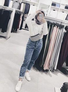 hijab If you are like me, you live and breathe fashion. Hijab Fashion Summer, Modern Hijab Fashion, Street Hijab Fashion, Hijab Fashion Inspiration, Muslim Fashion, Ootd Fashion, Fashion Outfits, Fashion Today, Korean Fashion