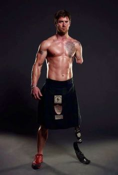 Noah Galloway, wounded warrior and kilted hottie.