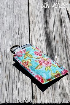 iPhone Sleeve {Mini Tutorial} | Sew Woodsy