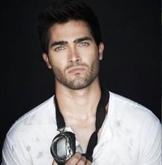 Tyler Hoechlin!! Look @ the eyes <3