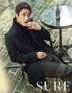 In the December issue of SURE, Bae Doo Na opens her arms to winter while staying pleasantly warm in a knit dress and a long, thick sweater. Meanwhile, Reply Jung Woo sheds off his tras… Korean Wave, Korean Star, Korean Men, Asian Men, Korean Actors, Asian Actors, Kim Yoo Mi, Sung Dong Il, Dramas