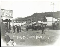 Coronation Day Procession, The School and Friendly Society of Bulli-Wornona and Thirroul. Celebrating the Coronation of King George V. Photo dated: 22 June 1911.  Photo shared by www.flickr.com State Records NSW Resf:152740853221. v@e