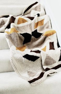Kilim Blanket Knitting pattern by Two of Wands, a beautiful pattern perfect for a baby shower gift or as an addition to your living room! Find this pattern and more inspiration at LoveKnitting. Knitting Projects, Crochet Projects, Knitting Patterns, Crochet Patterns, Knit Blanket Patterns, Knitting Humor, Knitting Ideas, Crochet Hooks, Knit Crochet