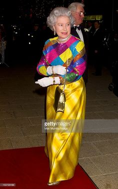 Queen Elizabeth II attends the Royal Variety Performance at the Birmingham Hippodrome on November 29, 1999 in Birmingham, England. (Photo by Indigo/Getty Images)