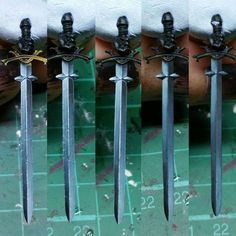 I've painted the other side of the sword and thought it might be interesting to see a few steps of the process. #modelpainting #commissionpainting #richardgray #artist #art #wargaming #freehand #warhammer #kingdomdeathmonster #boardgame #kingdomdeath #blackknight #dnd #dungeonsanddragons #tabletoprpg #rpg #roleplaying #boardgame #fantasy #knight #sword #nmm #winsorandnewton #vallejo #tamiya #brokentoad