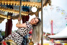 Confira o ensaio de noivos no parque de diversões em Vitória - ES, da Karinny e André, que foi repleto de brincadeiras e muito romantismo. Book 15 Anos, Night Shot, Insta Pictures, Tumblr Girls, Cl, Carnival, Wanderlust, Artsy, Photoshoot