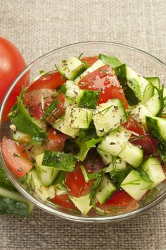 Crispy Cucumbers and Tomatoes in Dill Dressing Salad Old favorite :) I used rice wine vinegar last time and it's great. I double the dressing recipe. Cucumber Recipes, Salad Recipes, Vegan Recipes, Cooking Recipes, Cucumber Salad, Dill Dressing, Dressing Recipe, Healthy Snacks, Healthy Eating