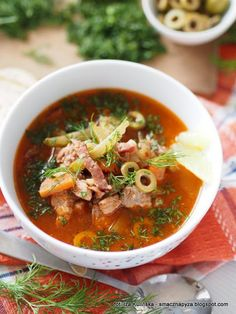 Solanka. Solianka | Smaczna Pyza Thai Red Curry, Stew, Soup Recipes, Catering, Slow Cooker, Chili, Food And Drink, Baking, Ethnic Recipes