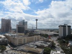 Tower of the Americas in the distance
