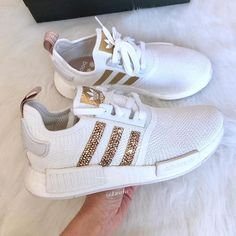 ❣️ © unknown Shopping link in bio ❤️ Addias Shoes, Cute Shoes, Adidas Neo, Shoe Game, Adidas Sneakers, Footwear, Shopping, Sneakers Style, Daily Inspiration