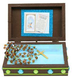 Caja de madera con rosario para primera comunión. Azul / Café