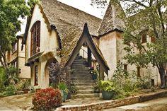 Storybook Home - Somewhere near oakland