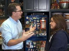 We're going inside Rach's home kitchen as organizational whiz Peter Walsh stops by to help her get organized! Organizing Paperwork, Clutter Organization, Paper Organization, Organizing Tips, Organising, Kitchen Organization, Declutter Home, Peter Walsh, Paper Clutter