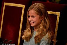 Princess Leonor of Spain, joins by Queen Letizia and King Felipe at awards evening Princess Sofia, Prince And Princess, Detail King, Baby Blue Dresses, Estilo Real, Short Brown Hair, Spanish Royal Family, Royal Life, Red Gowns