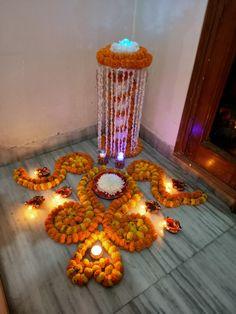 Diy Diwali Decorations, Festival Decorations, Wedding Decorations, Rangoli Designs Flower, Flower Rangoli, Diwali Diy, Puja Room, Flowers Decoration, Main Door