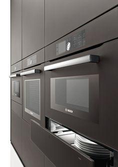 Het inbouwprogramma van Bosch is naast rvs ook verkrijgbaar in wit, zwart, quarz en zoals hier satijn brown.