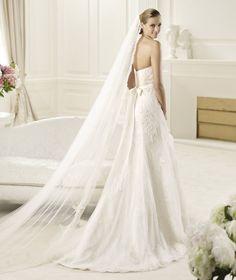 Pronovias presents the Diciembre wedding dress. Fashion 2013.   Pronovias