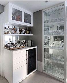 Best home bar styling ideas Canto Bar, Interior Design Living Room, Living Room Decor, Design Interior, Bar Sala, Coffee Bar Home, Mini Bars, Home Bar Designs, Cuisines Design