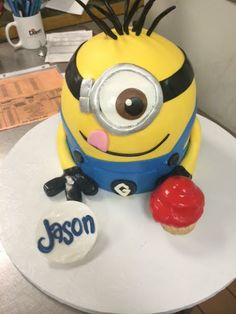 minion cake from despicable me great dane baking company