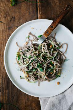 Green Soba Bowl w/ Olive & Sesame Yogurt Sauce   dolly and oatmeal #glutenfree #vegan