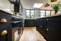 Favorite aesthetics, plus design tips & tricks for making the most out of a small kitchen. Open Plan Kitchen Dining Living, Open Plan Kitchen Diner, Kitchen Floor Plans, Kitchen Flooring, Kitchen Cabinets, Design Your Kitchen, Contemporary Kitchen Design, Diy Kitchen Decor, Kitchen Ideas