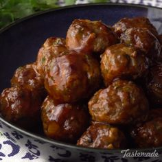 Sweet and sour meetballs. Get the deets on a Nolke family secret recipe. Two hints: Cilantro and chili flakes. Venison Recipes, Meat Recipes, Appetizer Recipes, Dinner Recipes, Cooking Recipes, Barbecue Recipes, Meatball Recipes, Cooking Tips, Appetizers
