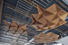 Resonant Chamber is an interior envelope system that deploys the principles of rigid origami to transform the acoustic environment through dynamic spatial, material, and electro-acoustic technologies. Kinetic Architecture, Architecture Building Design, Ceiling Detail, Ceiling Design, Acustic Panels, Decorative Metal Screen, Space Interiors, Pop Design, Office Interior Design