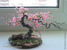 Estos son los pasos básicos que debéis seguir para elaborar un bonsái artificial con cuentas e hilo de alambre. #Bonsaialambre