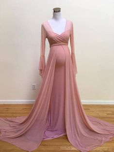 Items similar to Francesca Maternity Robe, Dusty Rose Maternity Robe, Dress, Bell Sleeves Maternity Robe on Etsy Maternity Evening Gowns, Maternity Dresses For Photoshoot, Cute Maternity Outfits, Pregnancy Outfits, Maternity Fashion, Evening Dresses, Baby Shower Dresses, Prom Dresses With Sleeves, Dance Outfits