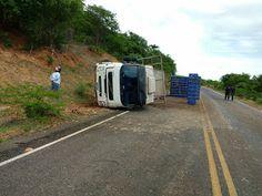 IPANGUAÇU AGORA: Caminhão tomba na RN 117, descida da serra de Serr...