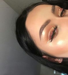 Find images and videos about hair, makeup and make up on We Heart It - the app to get lost in what you love. Glam Makeup, Baddie Makeup, Glitter Makeup, Cute Makeup, Pretty Makeup, Skin Makeup, Makeup Inspo, Makeup Art, Beauty Makeup