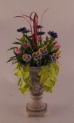Arrangment in Urn by Judy Travis - $40.00 : Swan House Miniatures, Artisan Miniatures for Dollhouses and Roomboxes