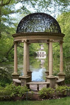 Old Westbury Gardens via Jenna of Sweetfineday. Really does look like something out of a storybook!