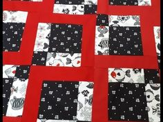 Disappearing Nine Patch with borders Colchas Quilt, Quilt Blocks, Quilting Tutorials, Quilting Projects, Braid Quilt, Disappearing Nine Patch, Two Color Quilts, Baby Sewing Projects, Missouri Star Quilt