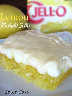 This lemon jello recipe makes the perfect fruity addition to any meal. It's easy to make, delicious and the jello lovers in your family will love it! Gelatin Recipes, Jello Recipes, Pudding Recipes, My Recipes, Dessert Recipes, Favorite Recipes, Salad Recipes, Jello Gelatin, Blender Recipes
