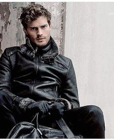 So damn hot in leather! Jamie Dornan, Dulcie Dornan, Mr Grey, Male Fashion Trends, Fifty Shades Of Grey, 50 Shades, Irish Men, Christian Grey, Dakota Johnson