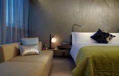 Fabulous Room, W Hong Kong. © Starwood Hotels & Resorts Worldwide