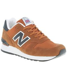 Riding the wave of the running trend, New Balance give their iconic 670 silhouette a colourful new update, as it arrives in a rich orange suede. Featuring breathable mesh panels with black branding and accents, a chunky EVA sole unit finishes.