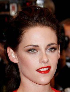 How to get her look (minus the smirk) Kristen Stewart!