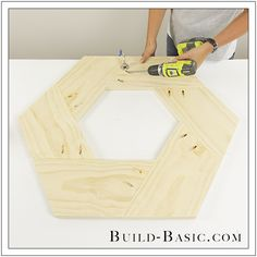 """I love projects that """"look"""" complicated, but are secretly easy. Take this round mirror frame made from just ONE board! Diy Vegetable Storage Bin, Wood Projects, Woodworking Projects, Diy Wall Art, Wall Decor, Diy Mirror, Furniture Restoration, Round Mirrors, Diy Frame"""