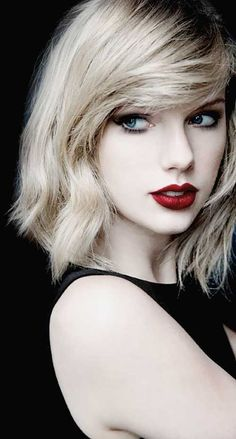 31 Hair From Taylor Swift: See Photos Of Celebrity Haircuts! Taylor Swift Moda, Taylor Swift Hair, Long Live Taylor Swift, Taylor Swift Style, Taylor Swift Pictures, Taylor Alison Swift, Blond, Taylor Swift Wallpaper, Celebrity Haircuts