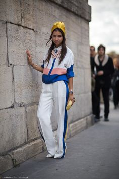 This is some serious #streetstyle Love the ensemmble and the #turban