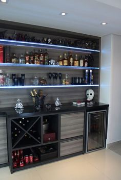 65 Best and Cool Home Bar Design Confused to make a bar room? On the topic of design for our favorite home is to discuss the design of the bar room that will be in our home. Home Bar Rooms, Diy Home Bar, Home Bar Decor, Mini Bar At Home, Home Bars, Canto Bar, Küchen Design, House Design, Design Ideas